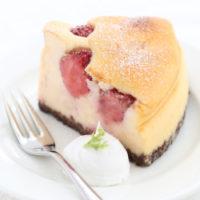 丸ごと苺の チーズケーキ